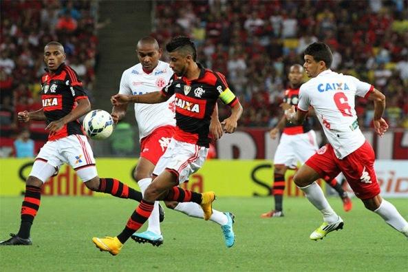 Flamengo vence 3